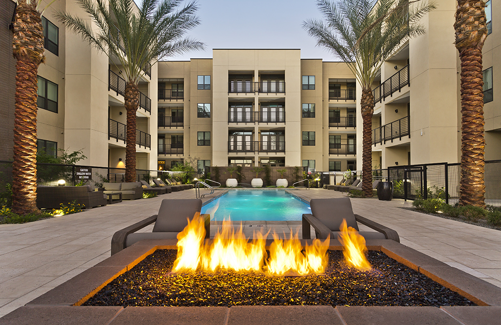 Arcadia Apartments in Phoenix - Citrine courtyard
