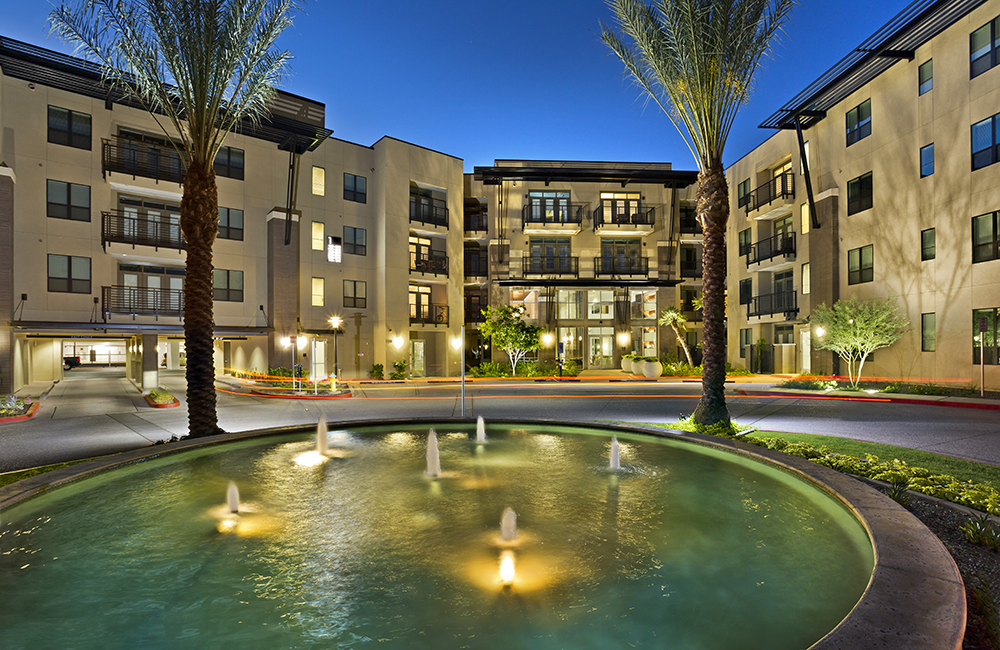 Camelback Apartments - Citrine Outdoor seating area Phoenix AZ