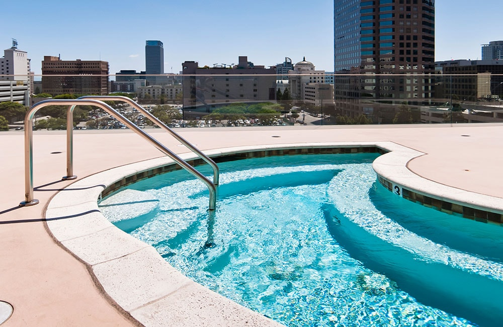 The Brockman Lofts Rooftop Pool Los Angeles CA - Bottega Louie