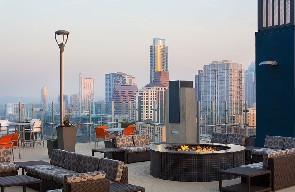 Rooftop Lounge and Fire Pit at SkyHouse Austin in Texas