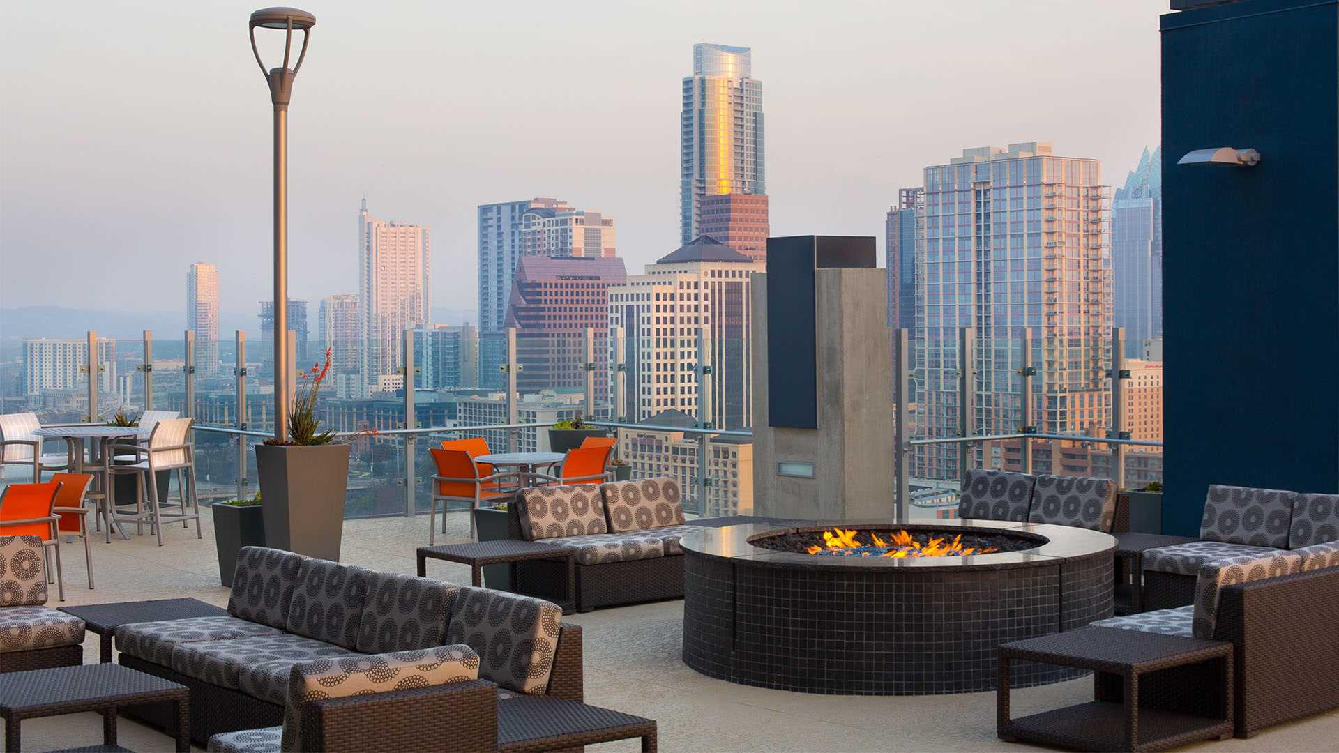 Swell Downtown Austin Tx Apartments On Rainey Street Skyhouse Beutiful Home Inspiration Truamahrainfo